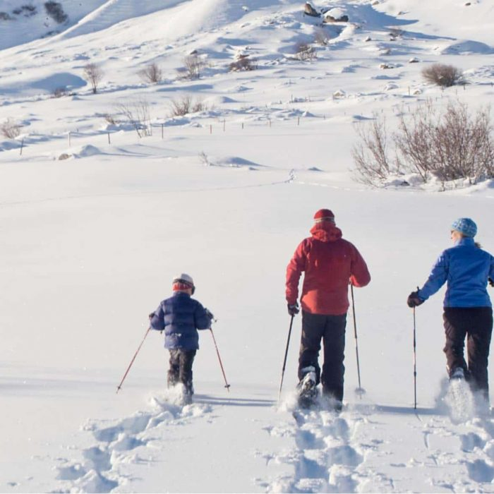 Family snowhoeing