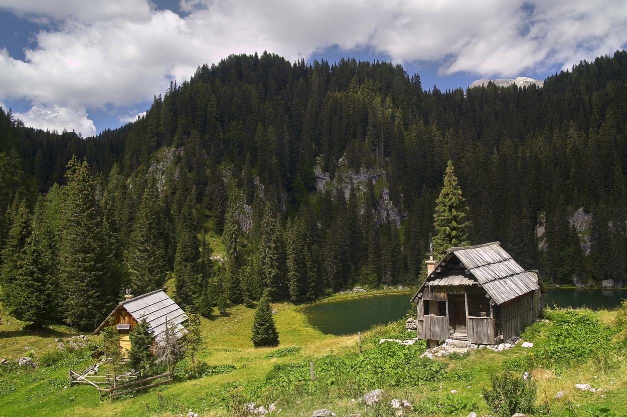 Wooden huts near Triglav lakes