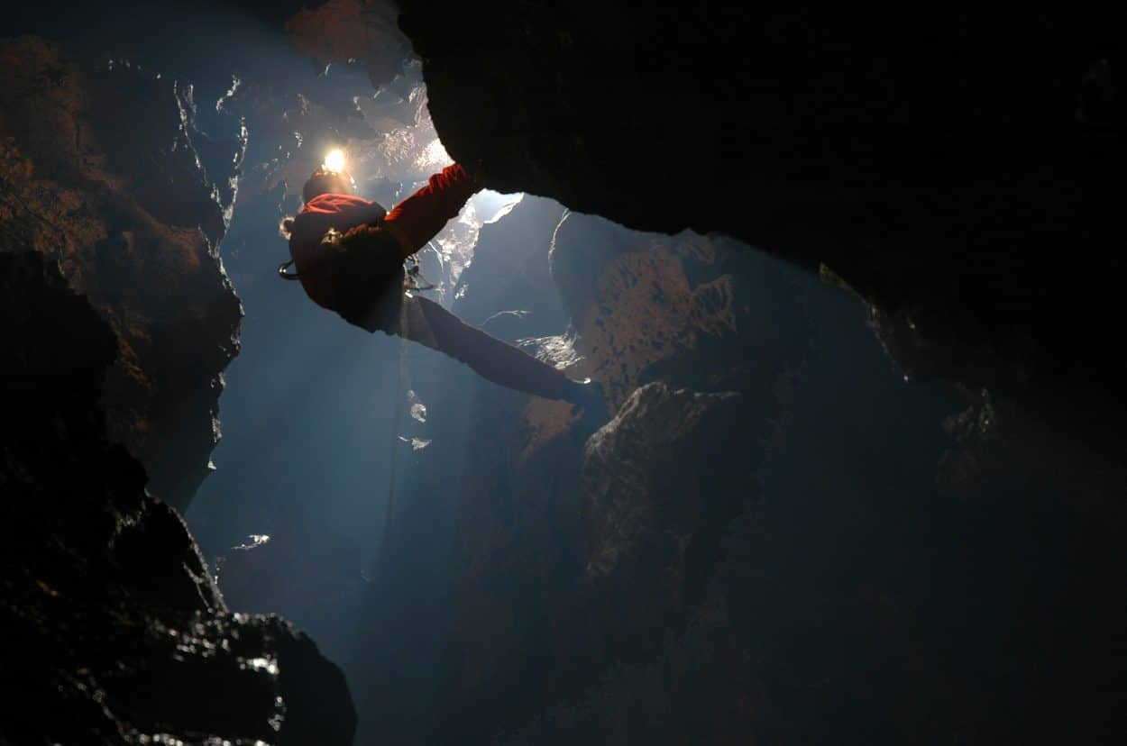 Extreme caving bled