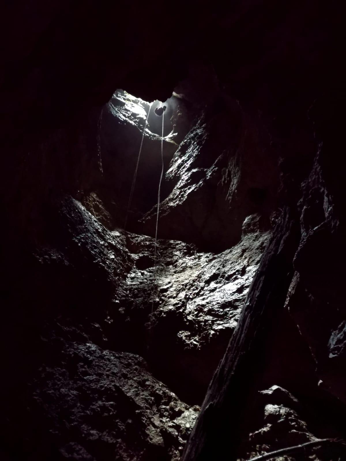 extreme caving slovenia